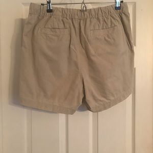 Banana Republic Shorts - Shorts